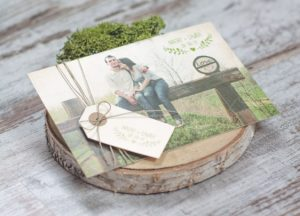 invitaciones_de_boda_postal_foto_vintage_etiqueta_manila_lovemail_ppstudio_1-562x405